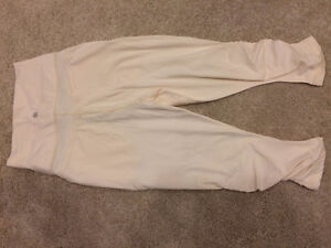 BNWOT Lululemon Size 4 In The Flow Crops - Cream White