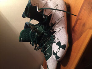 UnderArmour Highlight cleat size 10
