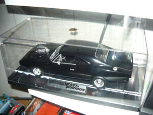 Fast&Furious 1:18 die cast 1970 Dodge Charger custom display set