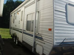 Sunline solice classic 25' travel trailer