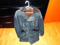 manteau en jean bleu et laine marque diesel taille large