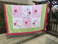 Pretty Single Floral Patchwork Bed Throw