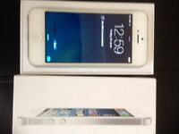 iPhone 5 on Vodafone/ libara 16gb( excellent condition)