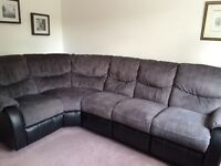 Corner sofa with 2 electric recliners