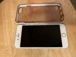 White iPhone 6s in Mint Condition with a Case
