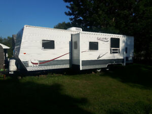 2007 Gulf Stream travel trailer with slide out