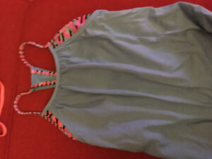 Ivivva girls size 10 top with racer back