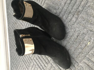 95% new ankle boots! Super cute!