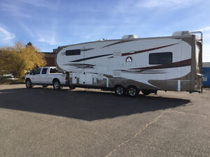 REDWOOD 31RL FIFTH WHEEL