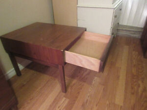 RETRO SOLID HARDWOOD END TABLE