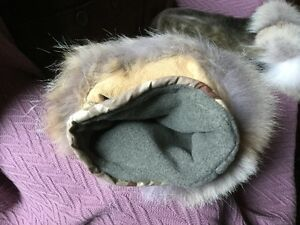 Sealskin and Arctic Fox mitts Gatineau Ottawa / Gatineau Area image 3