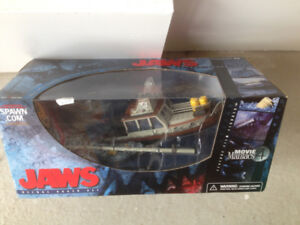 Jaws Movie Maniacs 4 Deluxe Boxed Set McFarlane Toys Boat