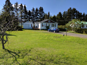 * NEW FOR RENT* House / Chalet with sea view - Gaspesie holiday!