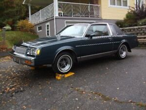 BUICK REGAL LIMITED  1986 COMME NEUF