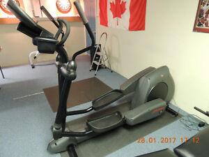 Life fitness x9i elliptical cross-trainer