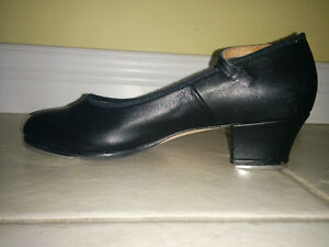 Brand New Bloch Womens 7 1/2 tap shoes