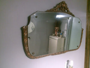 Vintage mirrors assorted sizes and shapes London Ontario image 2