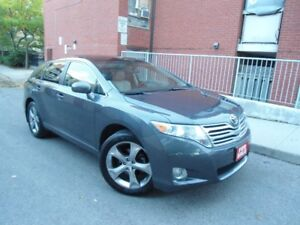 2010 TOYOTA VENZA V6 , LEATHER , ONLY 101 KM ,PANORAMIC ROOF !!!