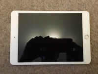iPad mini 3rd generation gold mint condition