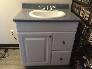 Vanité de salle de bain et autres articles