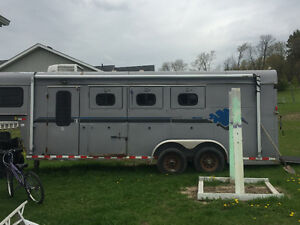 3 horse slant trailer with living quarters for sale or trade