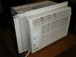 Climatiseur pour fenetre / Window air conditioner