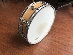 Pearl Maple Piccolo Snare Drum