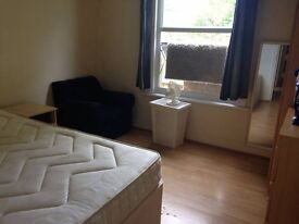 Large single room 15 min from central
