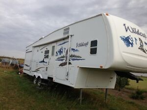 DEDUCED 2007 Wildcat Forest River 5th wheel 34ft RV camper