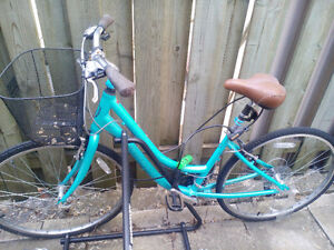Norco vintage-style beach cruiser for sale (21 speeds)