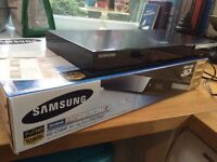 Bluray 3D DVD Player - great condition, wireless, hdmi