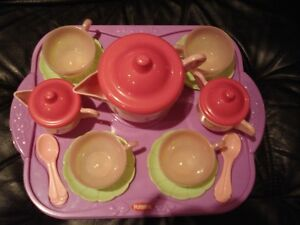 Ensemble pour thé PlaySkool (tasses )