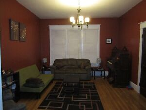 Spacious 2 Bedroom Apartment / Flat available July 1st in Truro