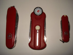 """Trio """" VICTORINOX"""" ( Swiss Made ) : Couteaux ( 2 ) + golf"""