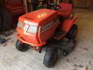 Tracteur columbia 600$ nego ou echange