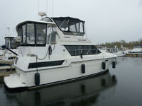 Carver 3807 Aft Cabin - Hardtop Aft Deck with Two Staterooms