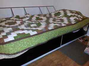 Twin bed for sale $100 OBO Cambridge Kitchener Area image 1
