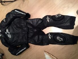 Alpinestars 2 piece leathers gp pro
