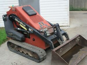 2011 Ditch Witch SK650 w/ Dirt Bucket... Only 1050 Hours