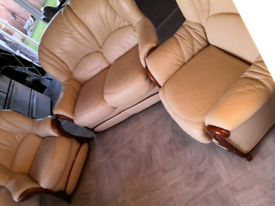 2 seater sofa a 2 armchairs