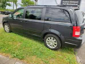 2008 Chrysler Town and Country $7250 CERTIFIED