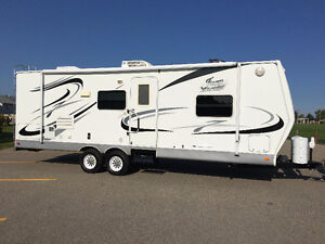 2006 TRAVEL TRAILER 26 FOOT, LARGE SLIDE, REDUCED TO SELL!!