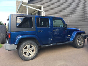 FOR SALE Jeep sahara Wrangler Unlimited 2009