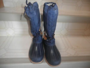 Maple Leaf size 3 childrens boots