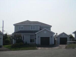 Beautiful East End 4 Bedroom Executive Home for Lease