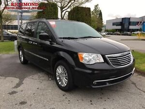 2016 Chrysler Town  Country Touring-L