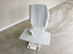 Aquatec R Bath Lift Chair … never been used