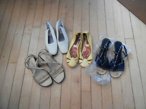 4 PAIRS OF SANDALS SIZE 6