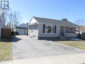 Thoroughly Renovated Detached Bungalow In Elliot Lake!
