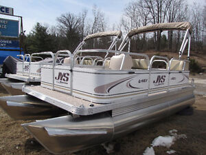 16ft Pontoon 20hp Suzuki EFI - NEW